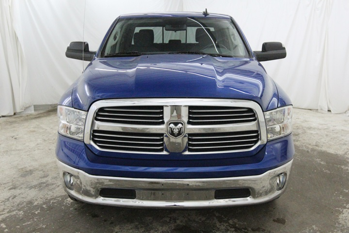 2015 Ram 1500 Crew Cab 4x4, Pickup #FG546441 - photo 10