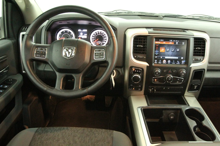 2015 Ram 1500 Crew Cab 4x4, Pickup #FG546441 - photo 30