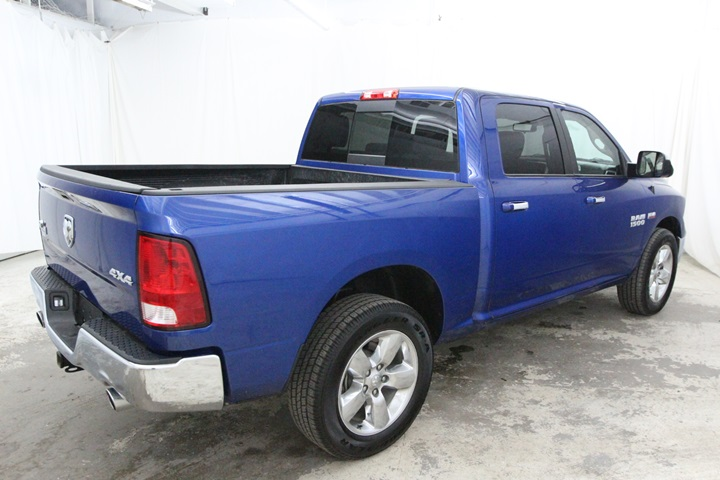 2015 Ram 1500 Crew Cab 4x4, Pickup #FG546441 - photo 2