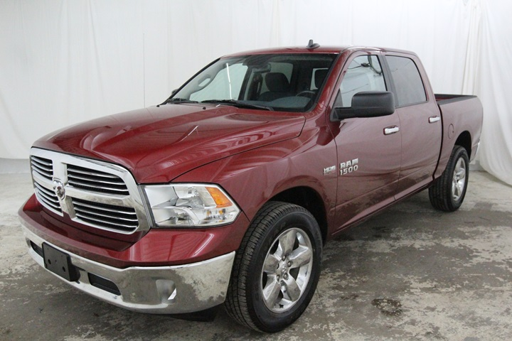 2015 Ram 1500 Crew Cab 4x4, Pickup #FG596569 - photo 7