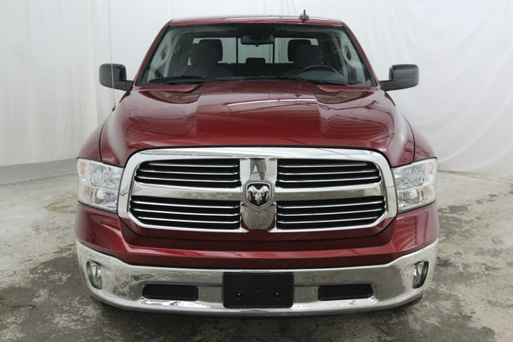 2015 Ram 1500 Crew Cab 4x4, Pickup #FG596569 - photo 10