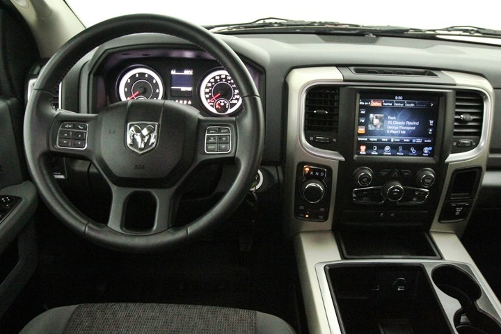 2015 Ram 1500 Crew Cab 4x4, Pickup #FG596569 - photo 30