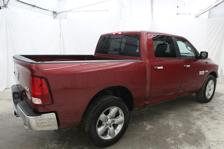 2015 Ram 1500 Crew Cab 4x4, Pickup #FG596569 - photo 2