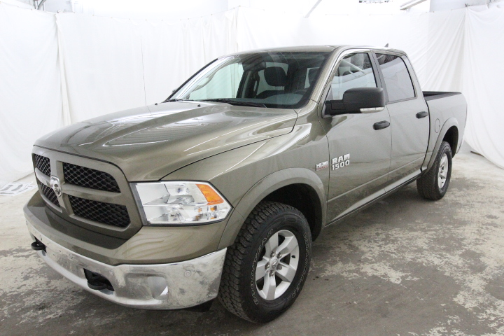 2015 Ram 1500 Crew Cab 4x4, Pickup #FS544079 - photo 9