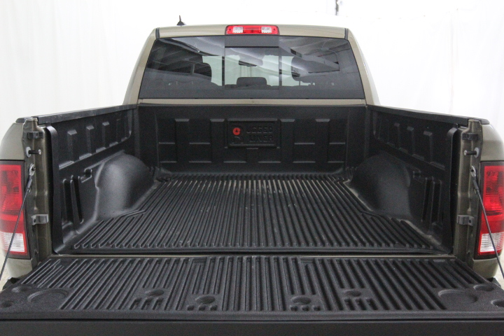 2015 Ram 1500 Crew Cab 4x4, Pickup #FS544079 - photo 16