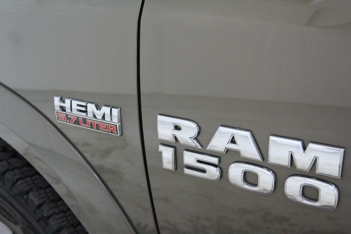 2015 Ram 1500 Crew Cab 4x4, Pickup #FS544079 - photo 18