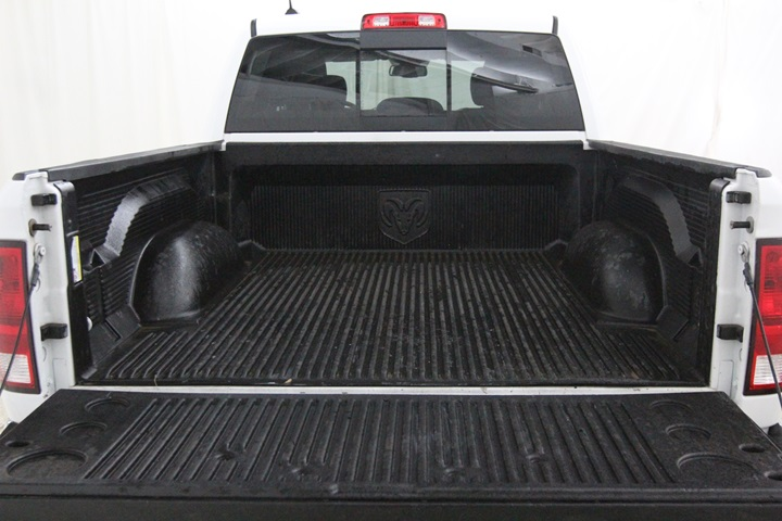 2015 Ram 1500 Crew Cab 4x4, Pickup #FS622168 - photo 16