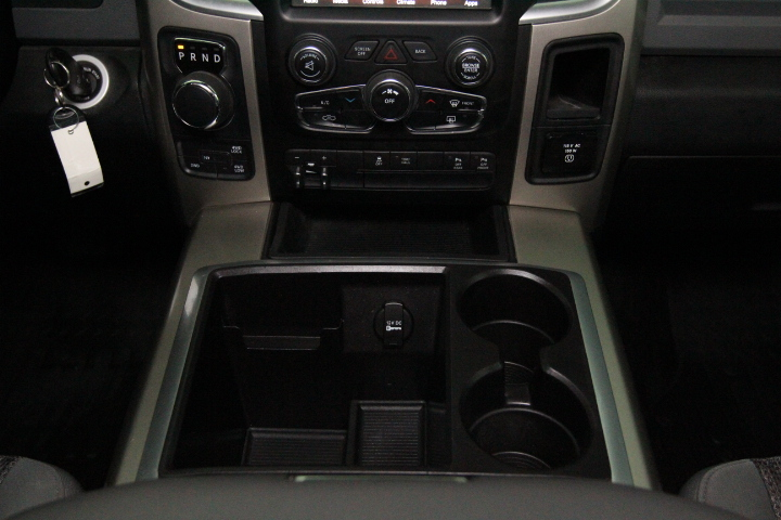 2015 Ram 1500 Crew Cab 4x4, Pickup #FS633277 - photo 32
