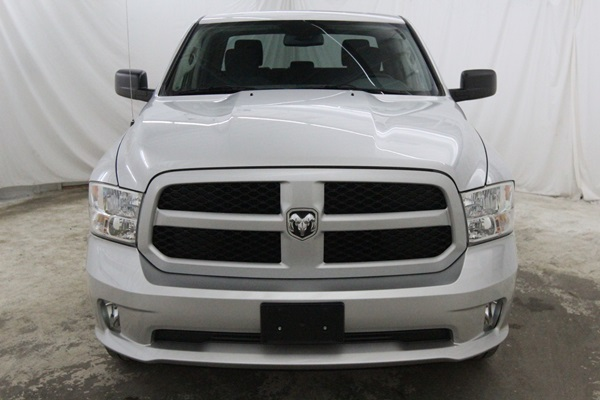 2015 Ram 1500 Crew Cab 4x4, Pickup #FS647200 - photo 9