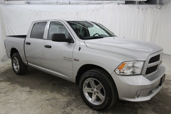 2015 Ram 1500 Crew Cab 4x4, Pickup #FS647200 - photo 18