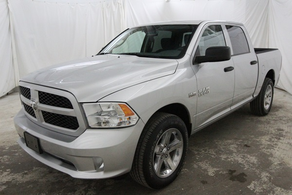 2015 Ram 1500 Crew Cab 4x4, Pickup #FS647200 - photo 8