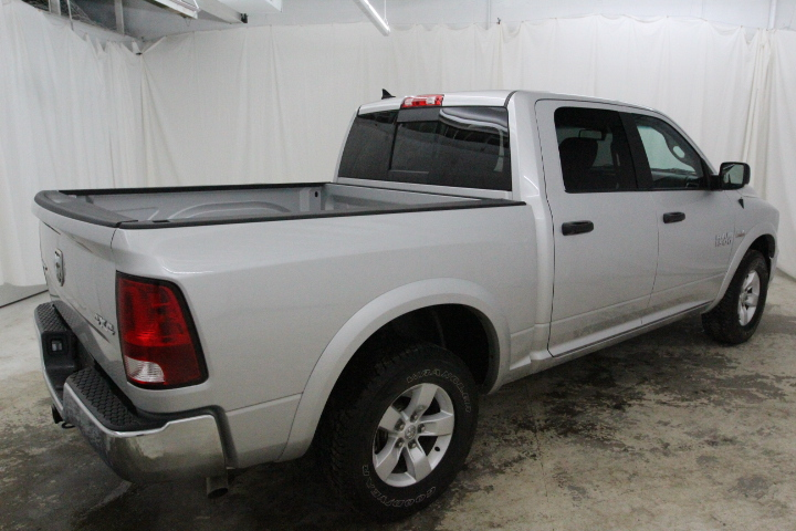 2015 Ram 1500 Crew Cab 4x4, Pickup #FS648426 - photo 2