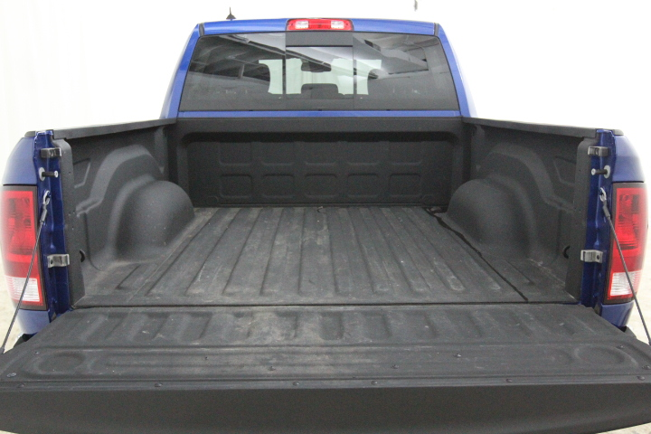 2015 Ram 1500 Crew Cab 4x4, Pickup #FS648887 - photo 16