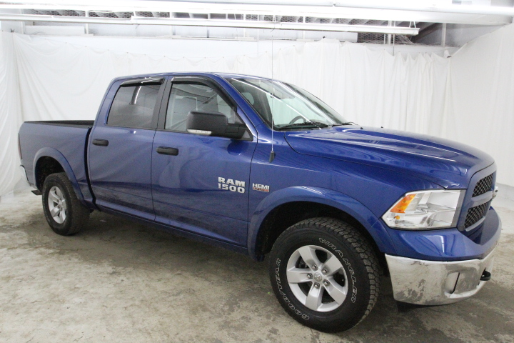 2015 Ram 1500 Crew Cab 4x4, Pickup #FS648887 - photo 3
