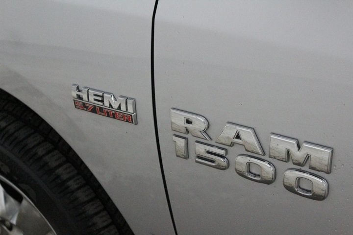 2015 Ram 1500 Crew Cab 4x4, Pickup #FS758990A - photo 17