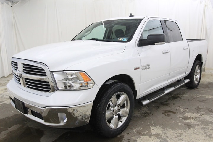 2016 Ram 1500 Crew Cab 4x4 Pickup #GG262522 - photo 9