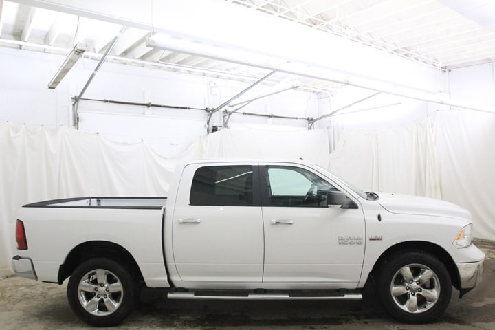 2016 Ram 1500 Crew Cab 4x4 Pickup #GG262522 - photo 3