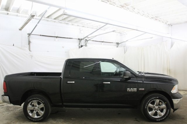 2017 Ram 1500 Crew Cab 4x4,  Pickup #HG511392P - photo 4