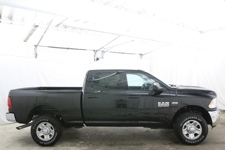 2018 Ram 2500 Crew Cab 4x4 Pickup #JG102582 - photo 4