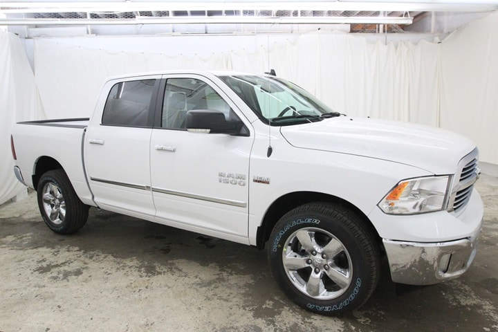 2018 Ram 1500 Crew Cab 4x4, Pickup #JG129881 - photo 3