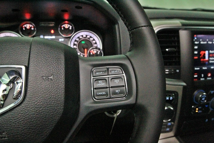 2018 Ram 1500 Crew Cab 4x4 Pickup #JG129883 - photo 36