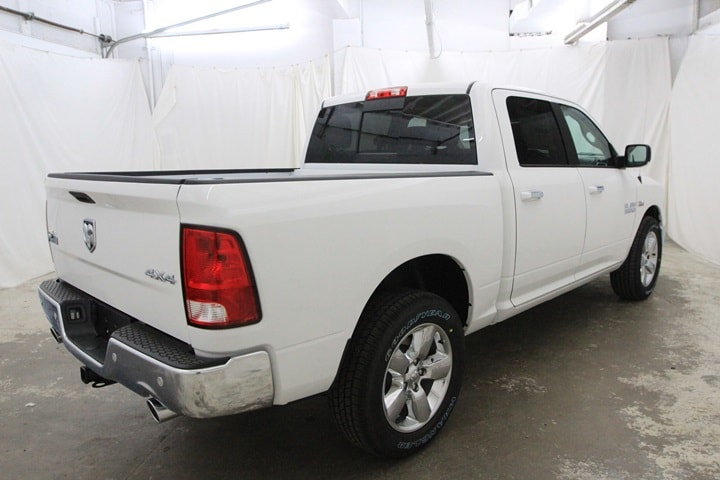 2018 Ram 1500 Crew Cab 4x4 Pickup #JG129890 - photo 2