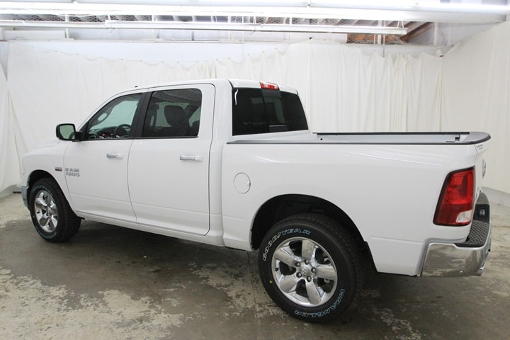 2018 Ram 1500 Crew Cab 4x4 Pickup #JG129890 - photo 7