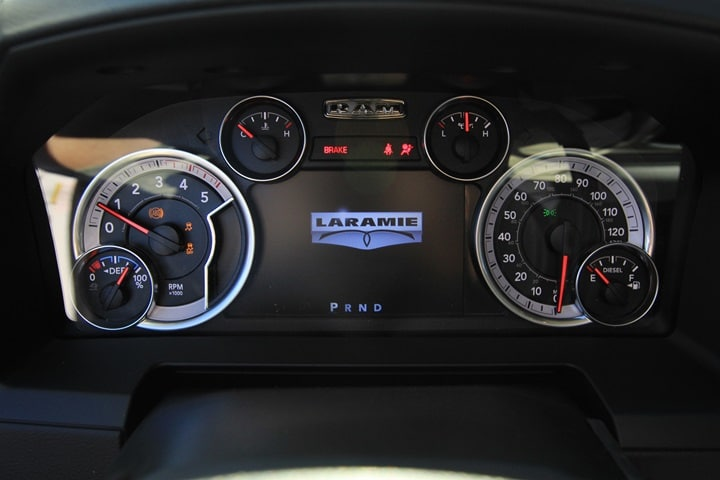 2018 Ram 3500 Crew Cab DRW 4x4 Pickup #JG132552 - photo 36