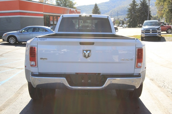 2018 Ram 3500 Crew Cab DRW 4x4 Pickup #JG132552 - photo 5