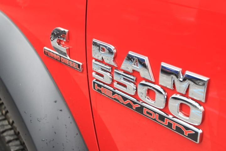2018 Ram 5500 Regular Cab DRW 4x4, Cab Chassis #JG237980 - photo 13