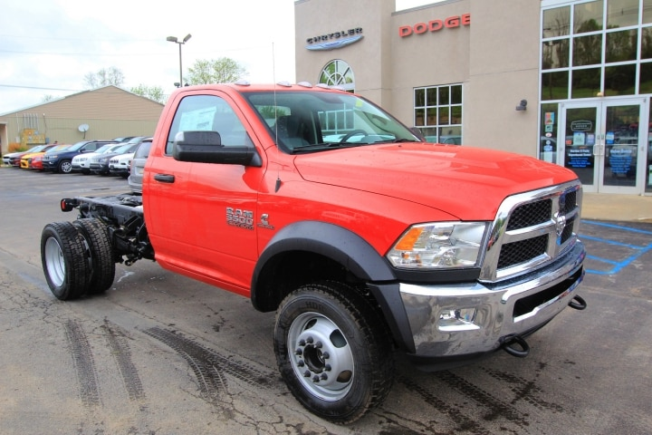 2018 Ram 5500 Regular Cab DRW 4x4, Cab Chassis #JG237980 - photo 3
