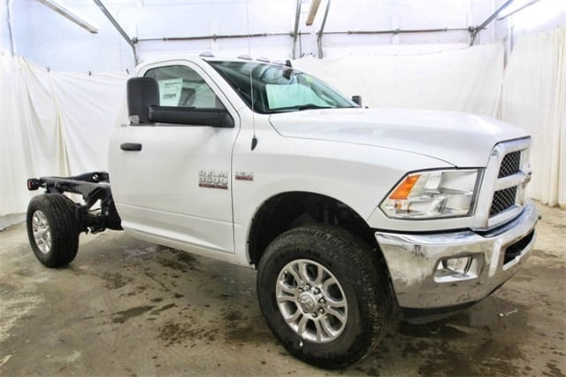 2018 Ram 3500 Regular Cab 4x4,  Cab Chassis #JG312922 - photo 3
