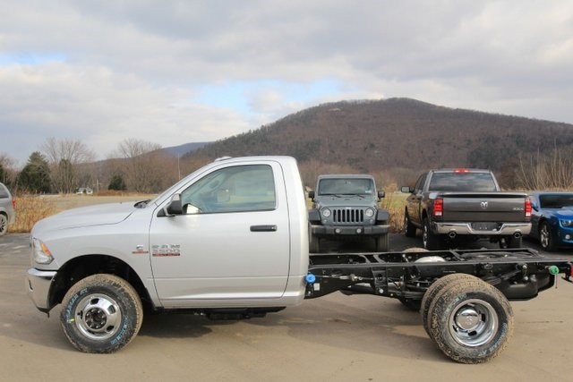 2018 Ram 3500 Regular Cab DRW 4x4,  Cab Chassis #JG376538 - photo 10