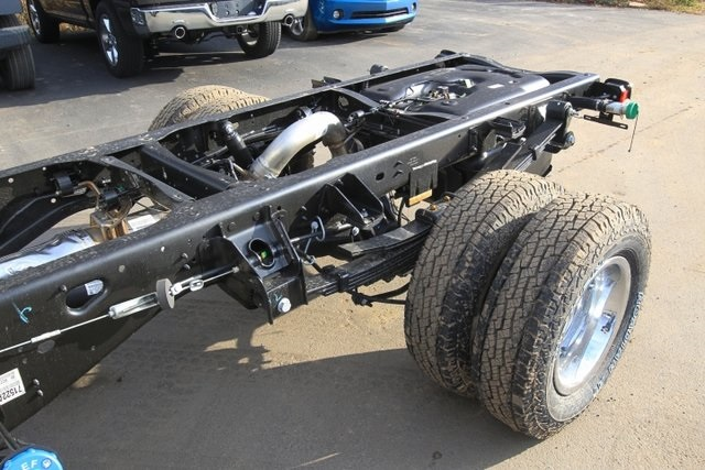 2018 Ram 3500 Regular Cab DRW 4x4,  Cab Chassis #JG376538 - photo 16