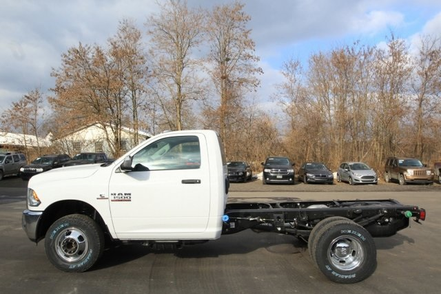 2018 Ram 3500 Regular Cab DRW 4x4,  Cab Chassis #JG376539 - photo 9