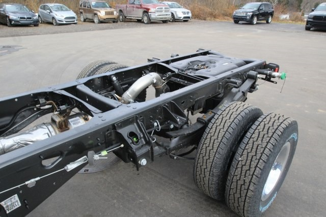 2018 Ram 3500 Regular Cab DRW 4x4,  Cab Chassis #JG376539 - photo 15