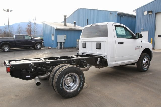 2018 Ram 3500 Regular Cab DRW 4x4,  Cab Chassis #JG376539 - photo 2