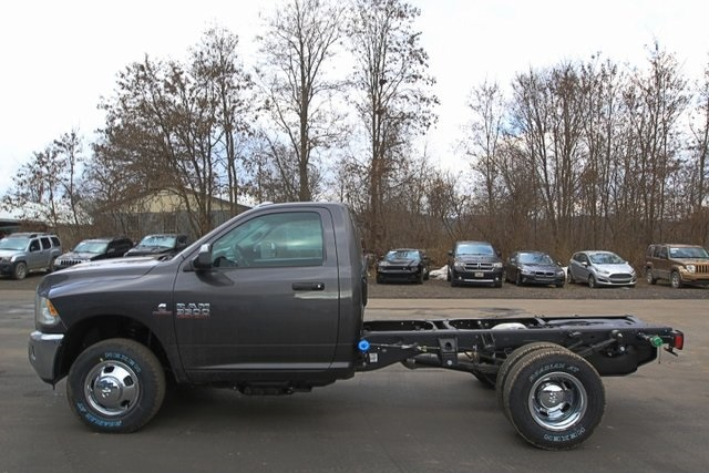 2018 Ram 3500 Regular Cab DRW 4x4,  Cab Chassis #JG376541 - photo 10