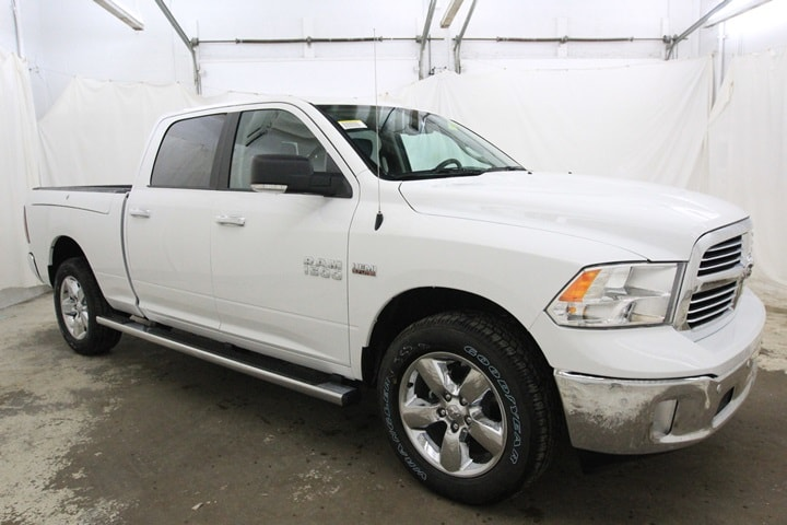 2018 Ram 1500 Crew Cab 4x4 Pickup #JS128773 - photo 3