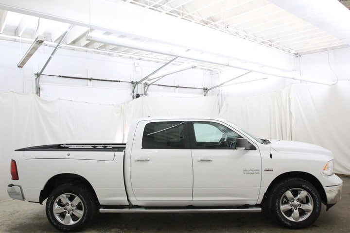 2018 Ram 1500 Crew Cab 4x4 Pickup #JS128773 - photo 4