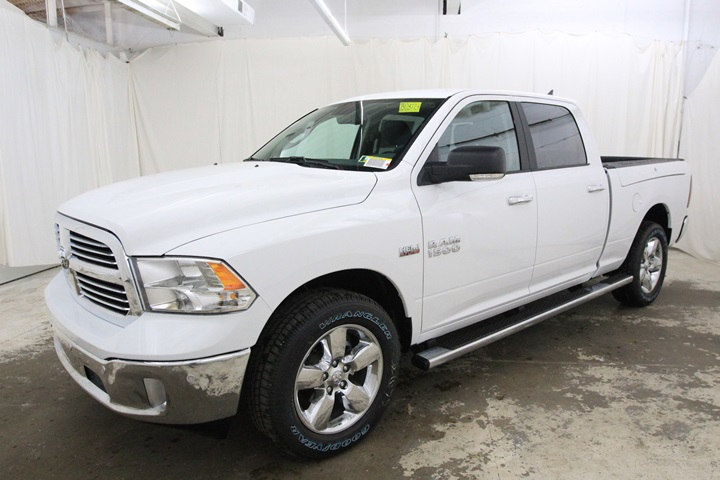 2018 Ram 1500 Crew Cab 4x4 Pickup #JS128773 - photo 9