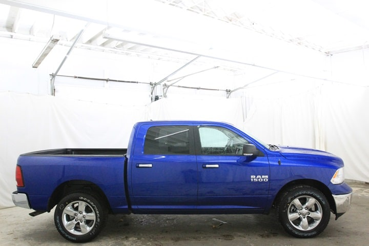 2018 Ram 1500 Crew Cab 4x4, Pickup #JS135005 - photo 4