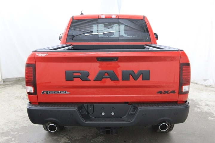 2018 Ram 1500 Crew Cab 4x4 Pickup #JS180676 - photo 5