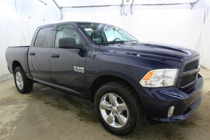 2018 Ram 1500 Crew Cab 4x4,  Pickup #JS323402 - photo 3