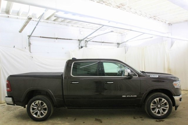 2019 Ram 1500 Crew Cab 4x4,  Pickup #KN673611 - photo 4