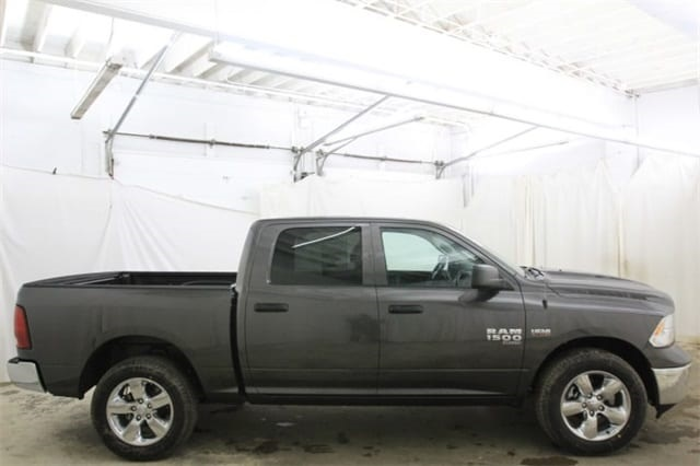 2019 Ram 1500 Crew Cab 4x4,  Pickup #KS547026 - photo 4