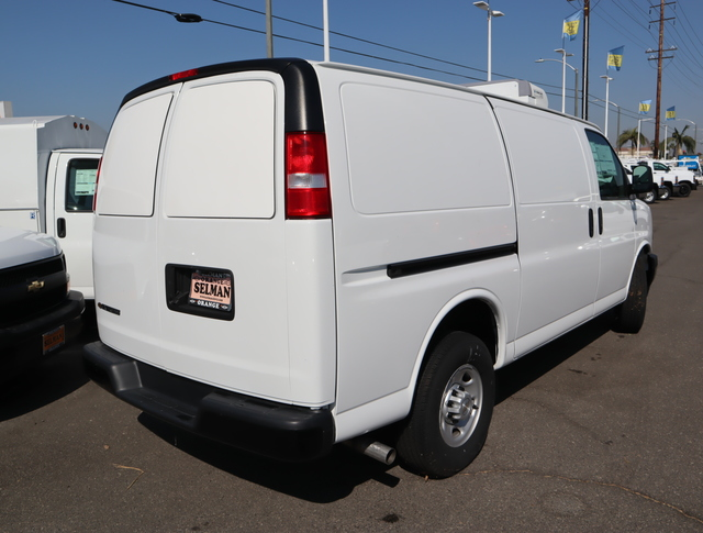 2018 Chevrolet Express 3500 RWD, Thermo King Direct-Drive Refrigerated Body #181455 - photo 9