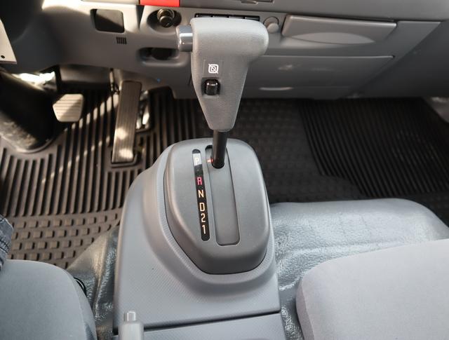2020 LCF 4500XD Regular Cab 4x2, Royal Stake Bed #200000 - photo 15