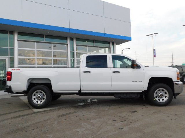 2019 Silverado 3500 Crew Cab 4x4,  Pickup #4E90253 - photo 3