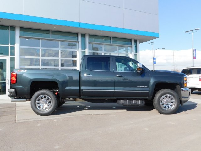 2019 Silverado 3500 Crew Cab 4x4,  Pickup #4E90294 - photo 3